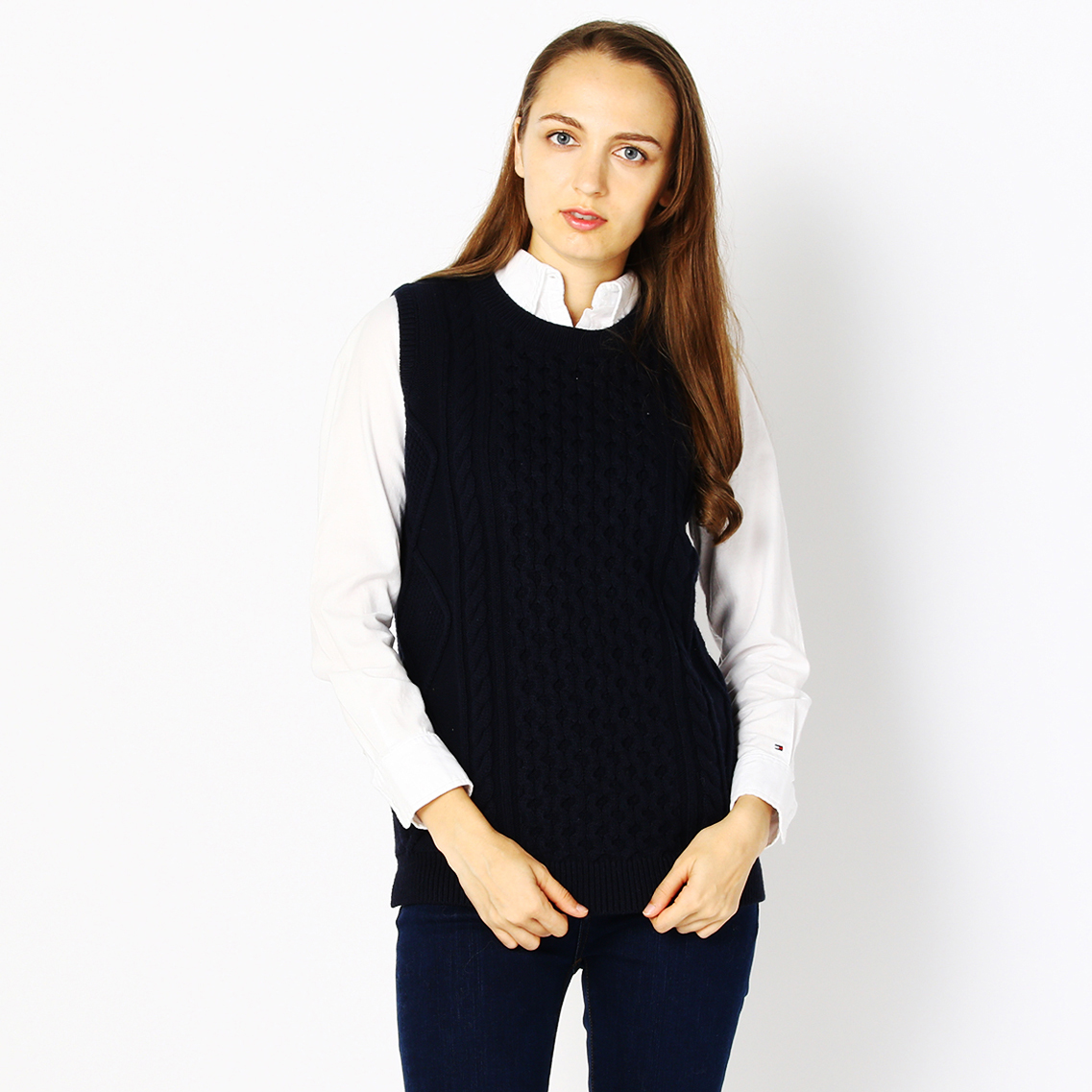 CABLE KNIT SLEEVELESS PULLOVER